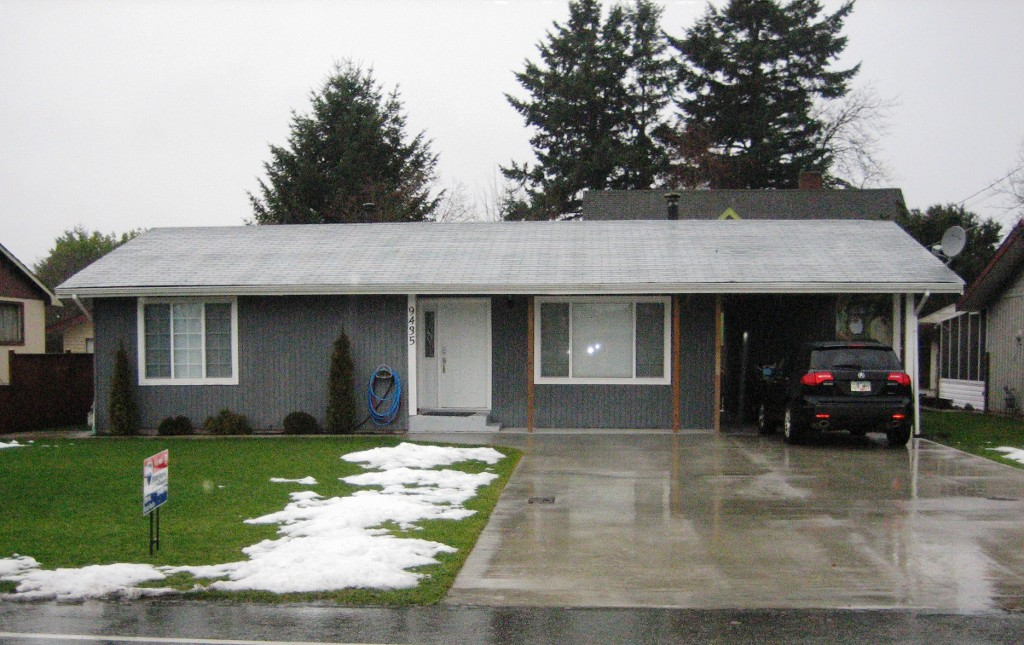 Photo 2: 9435 MCNAUGHT RD in Chilliwack: Chilliwack E Young-Yale House for sale : MLS® # H1300058