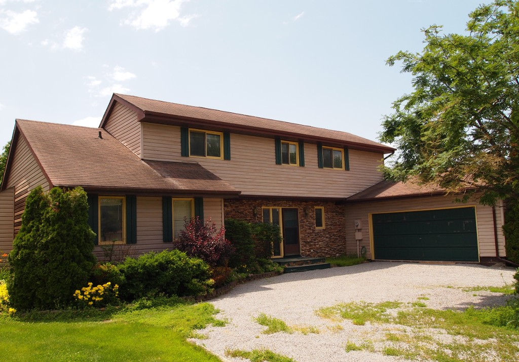 Main Photo: 22 Pinetree Court in Lagoon City: Simcoe Freehold for sale (Ramara)  : MLS®# X2955557