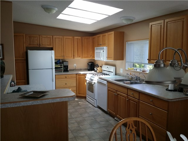 Photo 8: # 34 5575 MASON RD in Sechelt: Sechelt District Manufactured Home for sale (Sunshine Coast)  : MLS(r) # V1139069