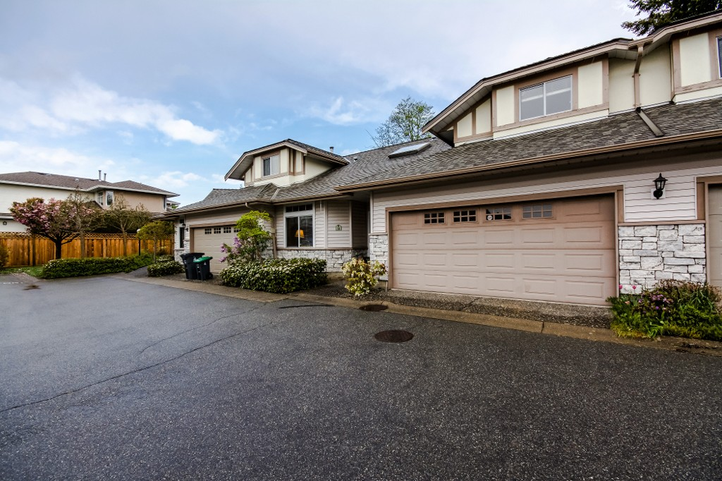 Main Photo: 14 16325 82nd ave in surrey: Fleetwood Tynehead Townhouse for sale (Surrey)  : MLS®# R2057996