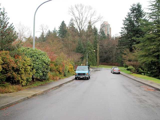Photo 7: 6537 PORTLAND Street in Burnaby: South Slope House for sale (Burnaby South)  : MLS® # V986285