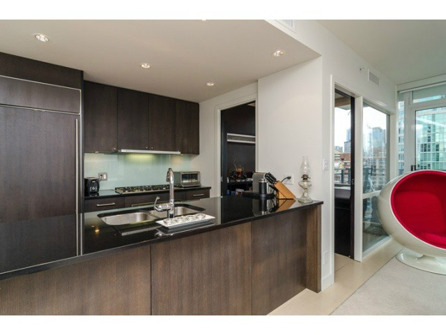 "Main Photo: 1503 1455 HOWE Street in Vancouver: Yaletown Condo for sale in ""POMARIA"" (Vancouver West)  : MLS® # V997869"