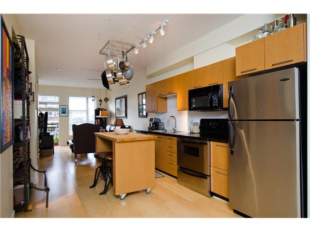 Main Photo: # 306 205 E 10TH AV in Vancouver: Mount Pleasant VE Condo for sale (Vancouver East)  : MLS® # V1029383