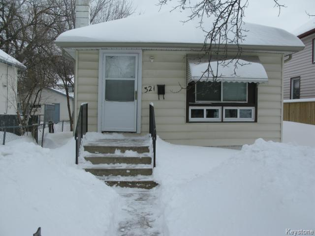 Main Photo: 321 Berry Street in WINNIPEG: St James Single Family Detached for sale (West Winnipeg)  : MLS(r) # 1402979