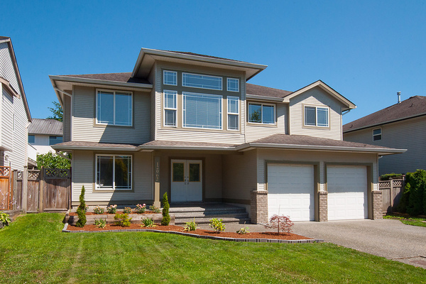Main Photo: 12062 201B Street in Maple Ridge: Northwest Maple Ridge House for sale : MLS(r) # V1074754