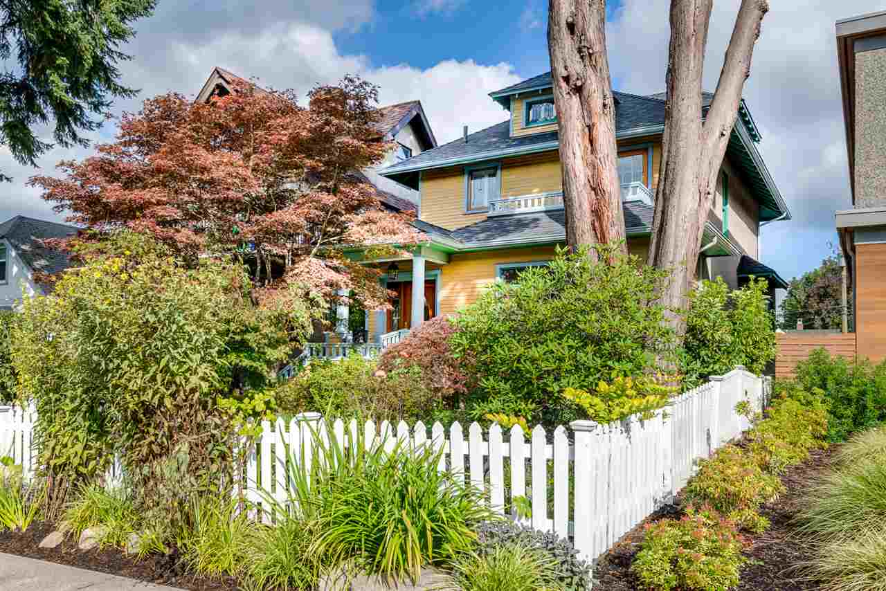Main Photo: 27 W 19TH AVENUE in Vancouver: Cambie House for sale (Vancouver West)  : MLS®# R2003901