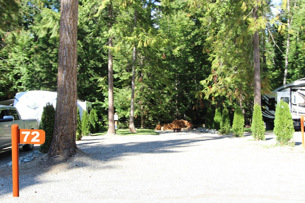 Main Photo: #72 6853 Squilax Anglemont Hwy: Magna Bay Recreational for sale (North Shuswap)  : MLS® # 10111372