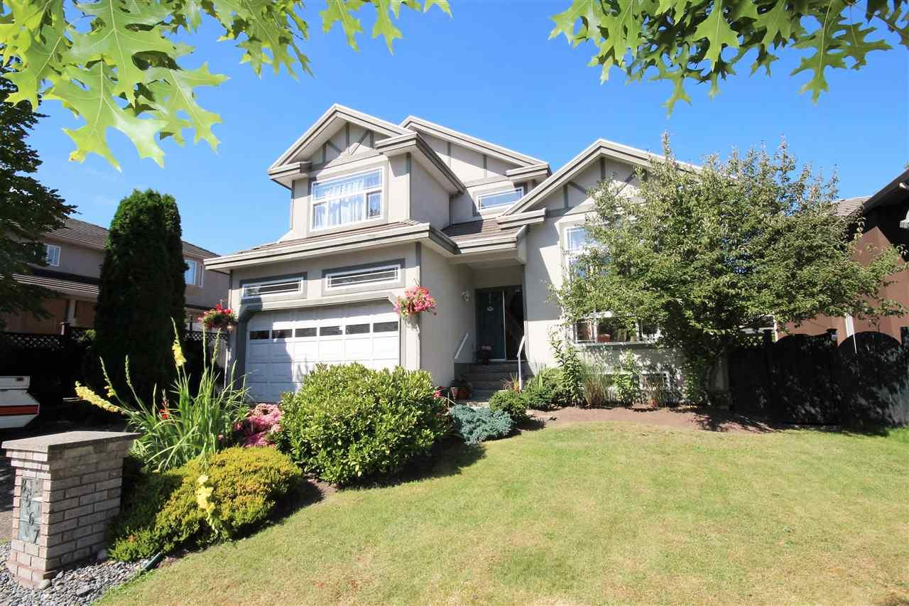 Main Photo: 8567 167 STREET in Surrey: House for sale : MLS(r) # R2102789