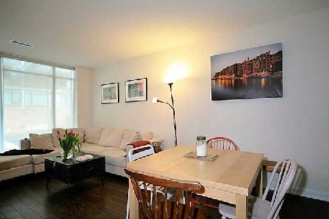 Photo 4: 205 Frederick St Unit #209 in Toronto: Moss Park Condo for sale (Toronto C08)  : MLS® # C2846723