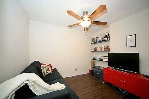 Photo 7: 205 Frederick St Unit #209 in Toronto: Moss Park Condo for sale (Toronto C08)  : MLS(r) # C2846723