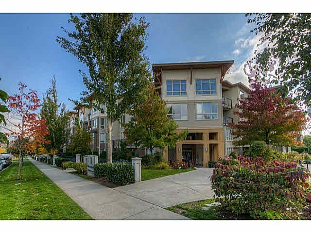 Main Photo: 428 15918 26 AVENUE in Surrey: Grandview Surrey Condo for sale (South Surrey White Rock)  : MLS® # R2024899