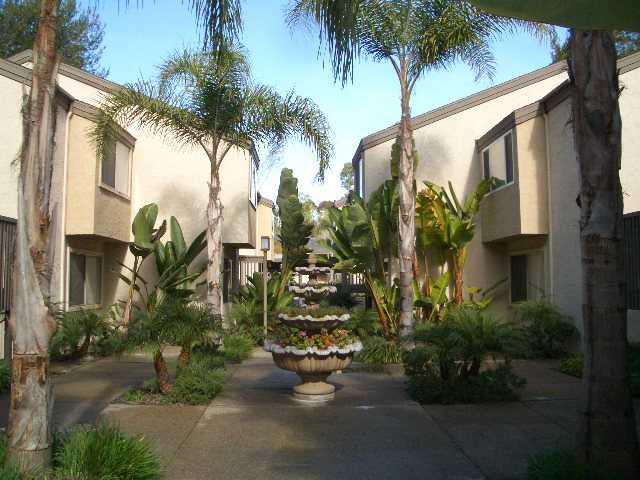 Main Photo: LA JOLLA Condo for sale : 2 bedrooms : 8533 Villa La Jolla Drive #D