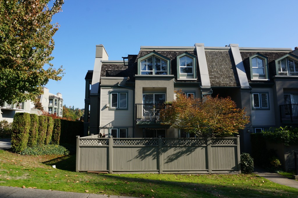 "Main Photo: 91 211 BEGIN Street in Coquitlam: Maillardville Condo for sale in ""Place Fountainebleau"" : MLS® # V1023931"
