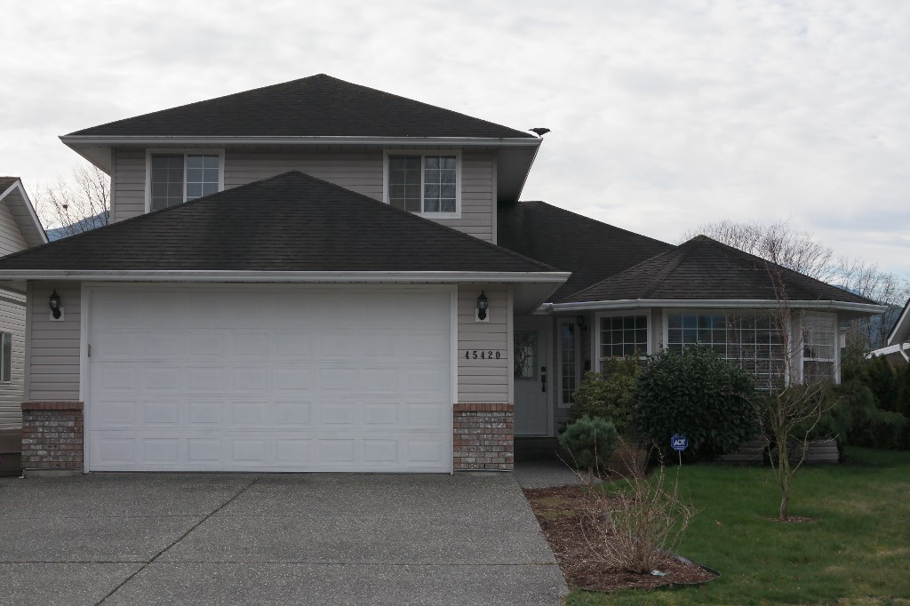 Main Photo: 45420 Spruce Dr. in Chilliwack: House for sale (Sardis)  : MLS® # H2150746