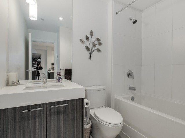 Photo 13: # 113 555 FOSTER AV in Coquitlam: Coquitlam West Condo for sale : MLS® # V1114520