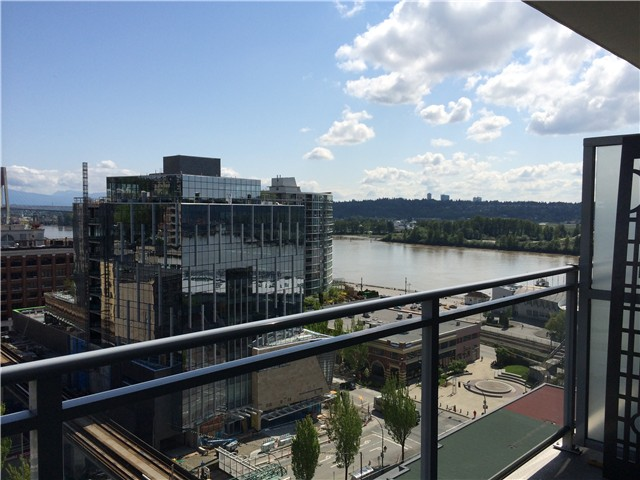 Photo 4: # 1905 888 CARNARVON ST in New Westminster: Downtown NW Condo for sale : MLS(r) # V1127094