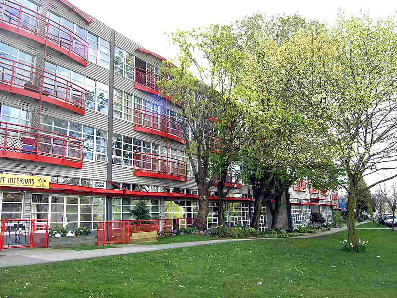 Main Photo: 214 350 E 2ND AVENUE in Vancouver: Mount Pleasant VE Condo for sale (Vancouver East)  : MLS(r) # R2014150