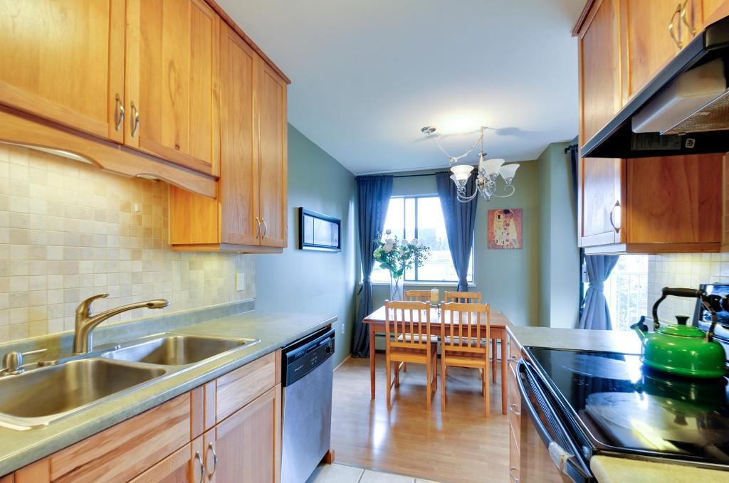 Photo 7: 312 3901 CARRIGAN COURT in Burnaby: Government Road Condo for sale (Burnaby North)  : MLS(r) # R2039778