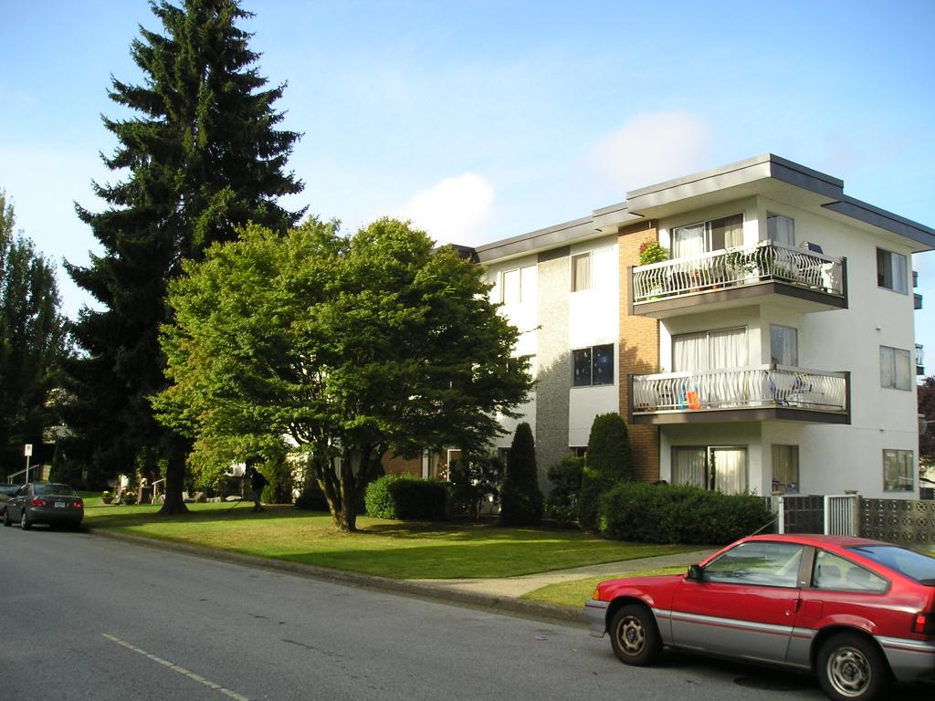Main Photo: 6719 Silver Avenue in : Metrotown Multi-Family Commercial  (Burnaby South)