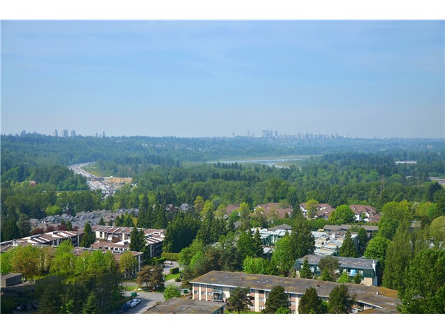 "Main Photo: 2404 3755 BARTLETT Court in Burnaby: Sullivan Heights Condo for sale in ""Timbelea/Oak"" (Burnaby North)  : MLS® # V981075"