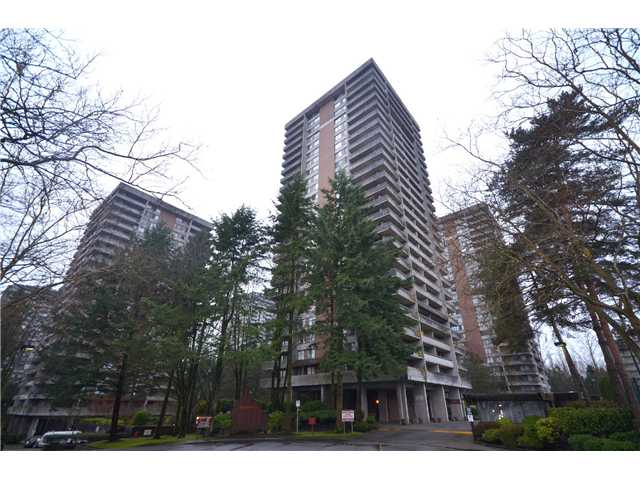 "Photo 4: 2404 3755 BARTLETT Court in Burnaby: Sullivan Heights Condo for sale in ""Timbelea/Oak"" (Burnaby North)  : MLS® # V981075"