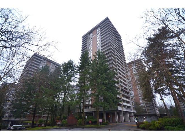"Photo 10: 2404 3755 BARTLETT Court in Burnaby: Sullivan Heights Condo for sale in ""Timbelea/Oak"" (Burnaby North)  : MLS® # V981075"