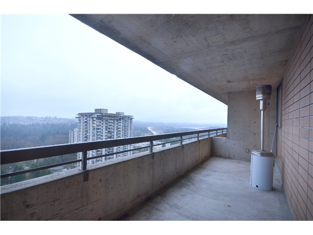 "Photo 9: 2404 3755 BARTLETT Court in Burnaby: Sullivan Heights Condo for sale in ""Timbelea/Oak"" (Burnaby North)  : MLS® # V981075"