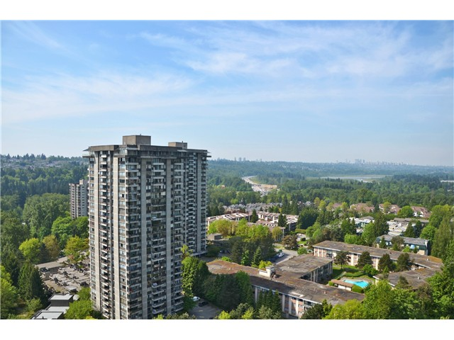 "Photo 3: 2404 3755 BARTLETT Court in Burnaby: Sullivan Heights Condo for sale in ""Timbelea/Oak"" (Burnaby North)  : MLS® # V981075"