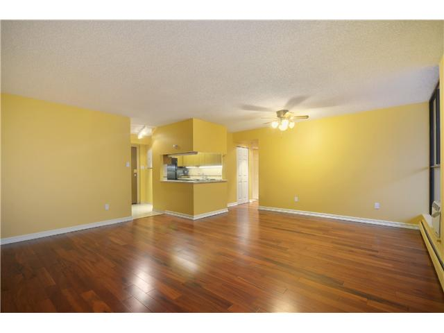 "Photo 7: 2404 3755 BARTLETT Court in Burnaby: Sullivan Heights Condo for sale in ""Timbelea/Oak"" (Burnaby North)  : MLS® # V981075"