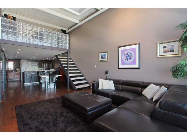 Photo 3: 401 338 W 8TH Avenue in Vancouver: Mount Pleasant VW Condo for sale (Vancouver West)  : MLS(r) # V983590