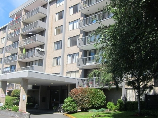"Main Photo: # 702 9320 PARKSVILLE DR in Richmond: Boyd Park Condo for sale in ""MASTER GREEN"" : MLS®# V1013769"