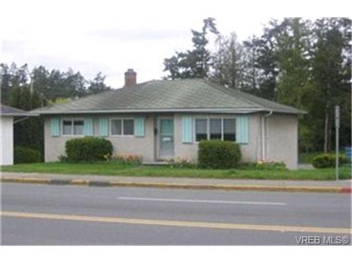 Main Photo: 1026 Tillicum Road in VICTORIA: Es Kinsmen Park Single Family Detached for sale (Esquimalt)  : MLS® # 199739