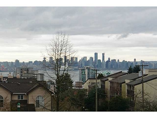 Main Photo: # 9 700 ST. GEORGES AV in North Vancouver: Central Lonsdale Condo for sale : MLS(r) # V1122073