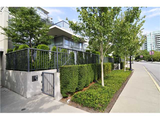 "Main Photo: 4 5168 KWANTLEN Street in Richmond: Brighouse Condo for sale in ""Seasons"" : MLS® # V968168"