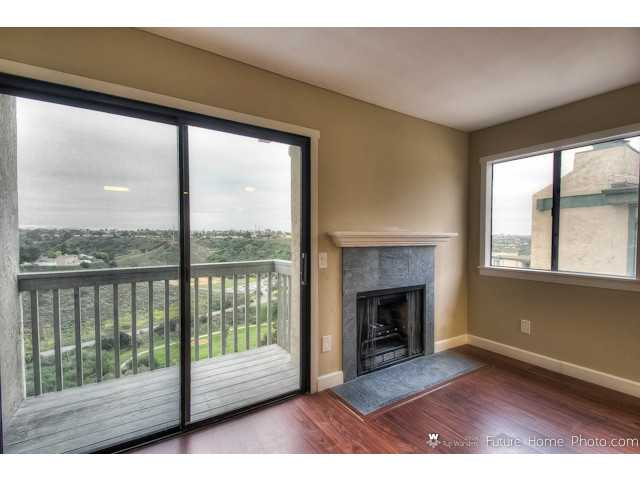 Photo 6: CLAIREMONT Condo for sale : 2 bedrooms : 2929 Cowley Way #H in San Diego