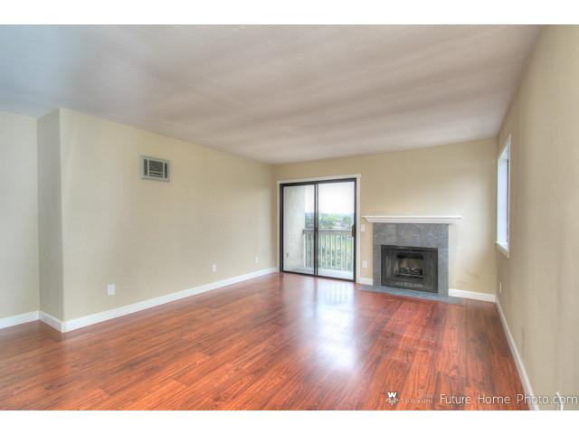 Photo 8: CLAIREMONT Condo for sale : 2 bedrooms : 2929 Cowley Way #H in San Diego