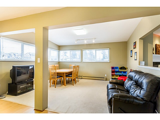 Photo 8: 1631 - 1633 SPERLING AV in Burnaby: Parkcrest Home for sale (Burnaby North)  : MLS(r) # V1045462