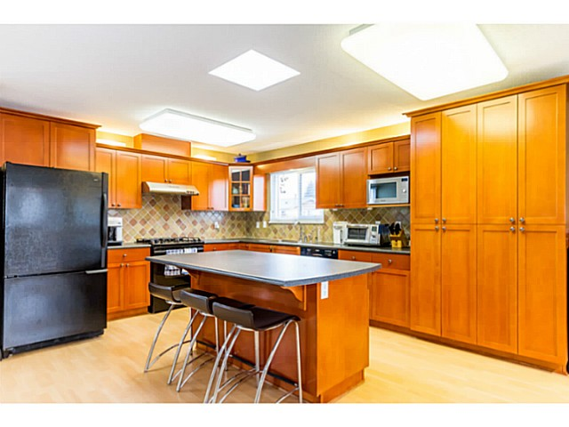 Photo 10: 1631 - 1633 SPERLING AV in Burnaby: Parkcrest Home for sale (Burnaby North)  : MLS(r) # V1045462