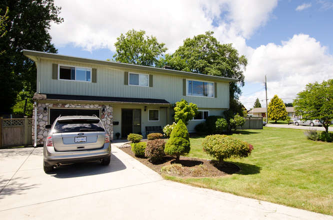 "Main Photo: 4905 GALBRAITH Street in Ladner: Holly House for sale in ""HOLLY"" : MLS(r) # V1074025"