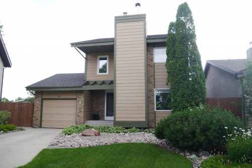 Main Photo: 38 Tranquil Bay in Winnipeg: Richmond West Single Family Detached for sale (South Winnipeg)  : MLS® # 1418756