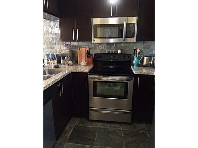 Photo 5: 3021 LAUREL ST in Vancouver: Fairview VW Condo for sale (Vancouver West)  : MLS® # V1108864