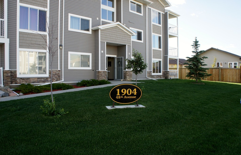 Main Photo: 104 1904 48TH AVENUE in Lloydminster East: Residential Attached for sale : MLS(r) # 46916