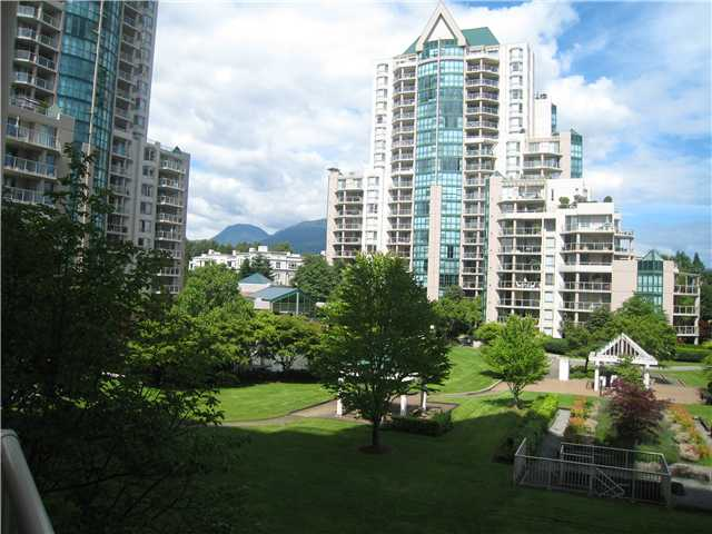 "Photo 8: 301 1189 EASTWOOD Street in Coquitlam: North Coquitlam Condo for sale in ""THE CARTIER"" : MLS(r) # V983992"
