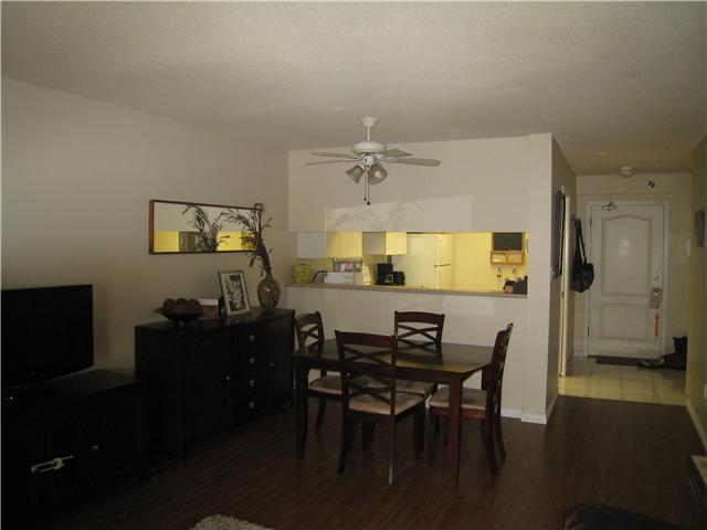 "Photo 3: 301 1189 EASTWOOD Street in Coquitlam: North Coquitlam Condo for sale in ""THE CARTIER"" : MLS(r) # V983992"