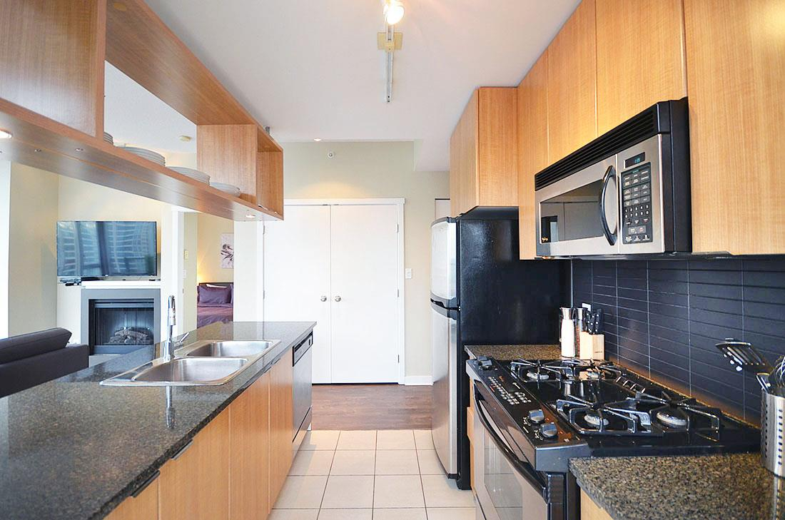 Photo 6: 2302 1010 RICHARDS STREET in Vancouver: Yaletown Condo for sale (Vancouver West)  : MLS® # R2090358