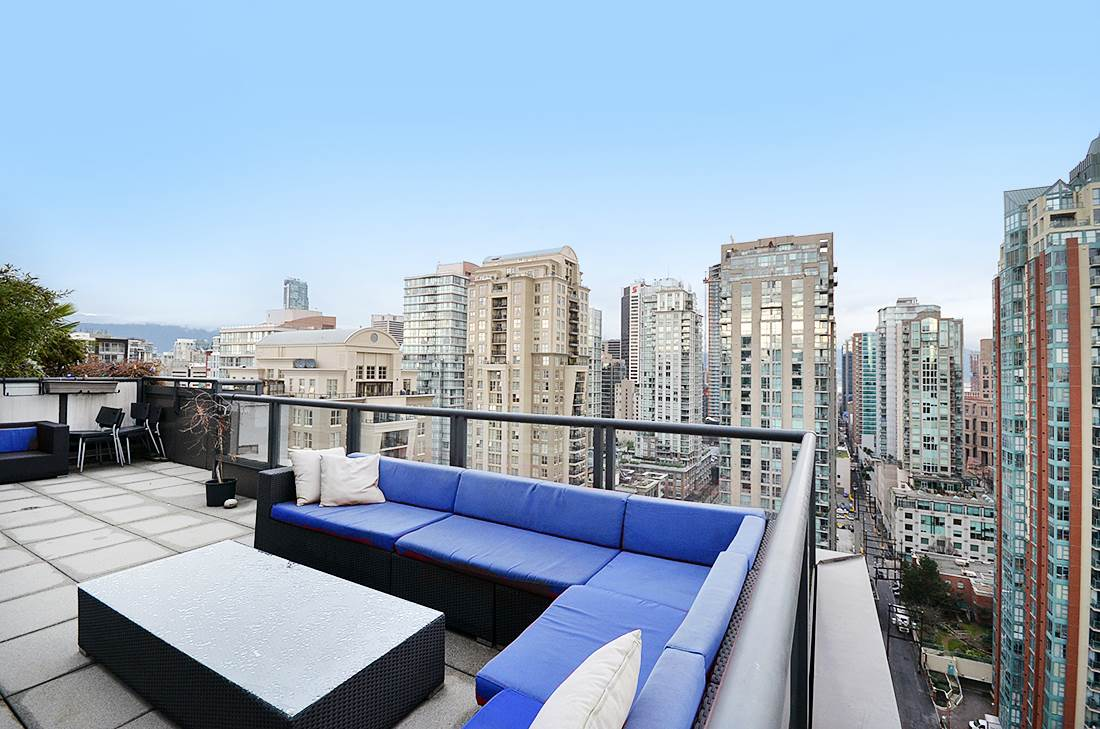 Main Photo: 2302 1010 RICHARDS STREET in Vancouver: Yaletown Condo for sale (Vancouver West)  : MLS® # R2090358