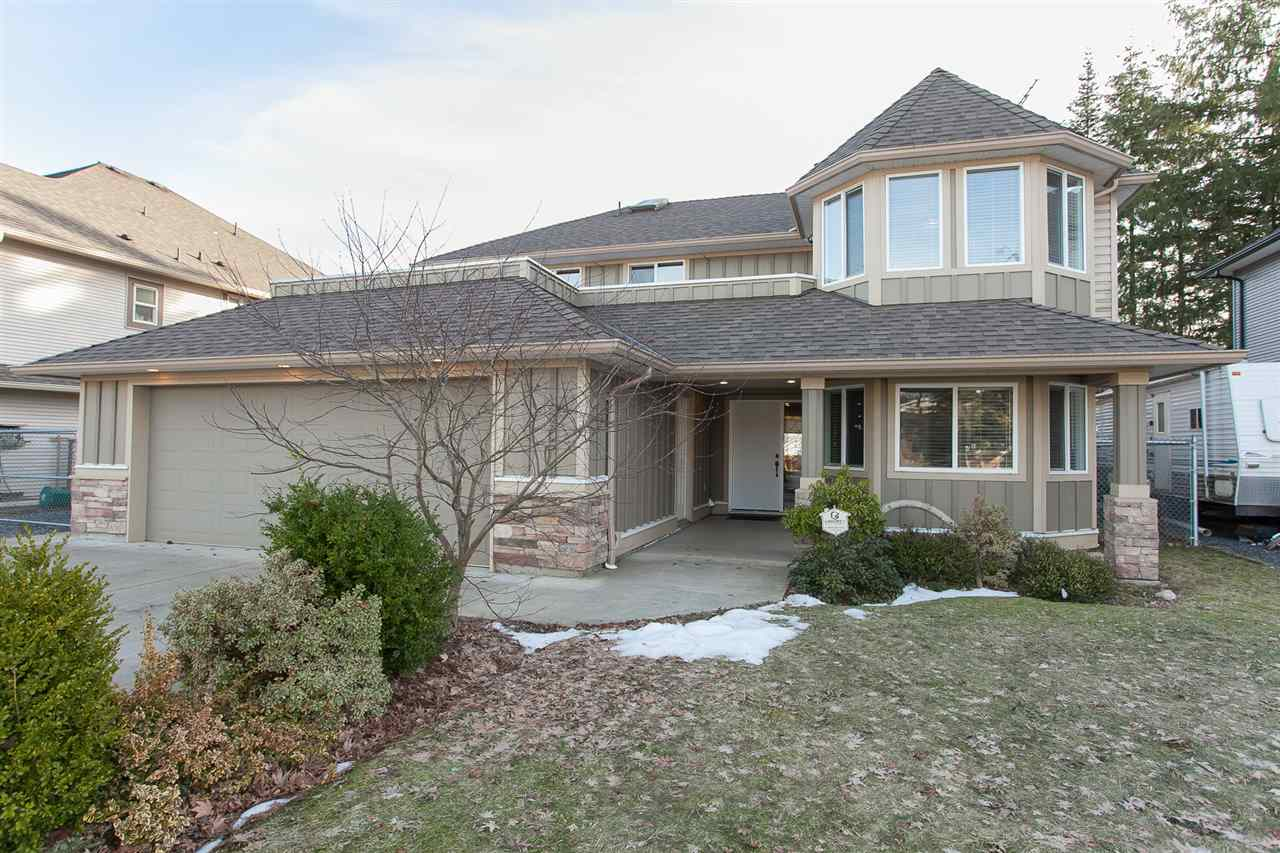 Main Photo: 32684 UNGER COURT in Mission: Mission BC House for sale : MLS®# R2137579