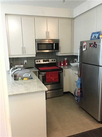 Photo 5: 33 Bay St Unit #1803 in Toronto: Waterfront Communities C1 Condo for sale (Toronto C01)  : MLS(r) # C3706496