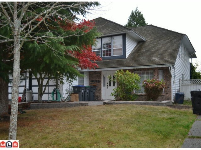 "Main Photo: 14468 18A Avenue in Surrey: Sunnyside Park Surrey House for sale in ""The Glens"" (South Surrey White Rock)  : MLS(r) # F1225801"