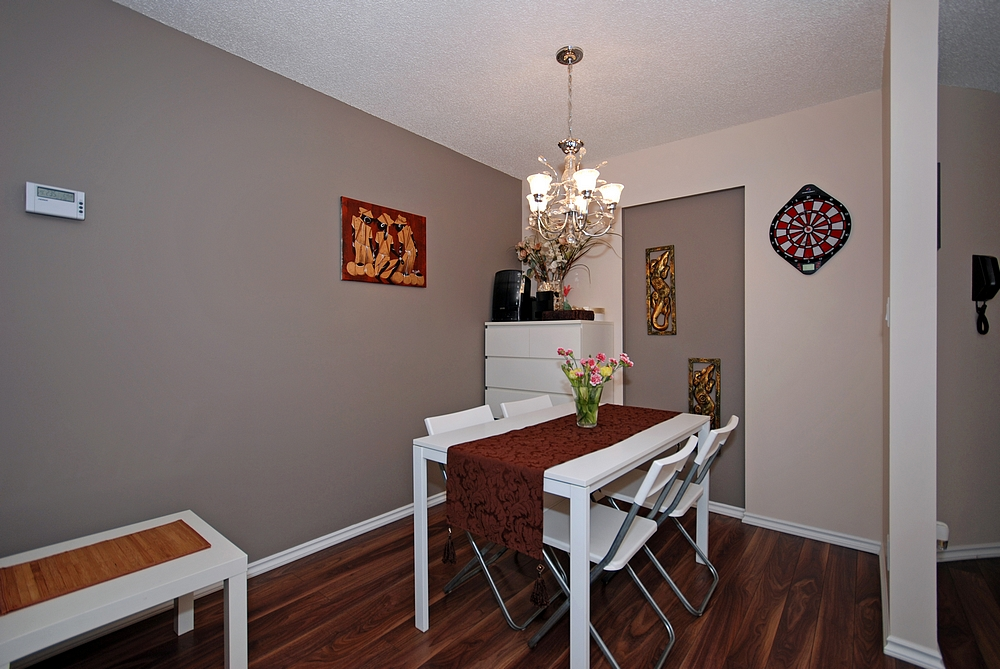 "Photo 6: 206 436 7 Street in New Westminster: Uptown NW Condo for sale in ""REGENCY COURT"" : MLS® # V989182"